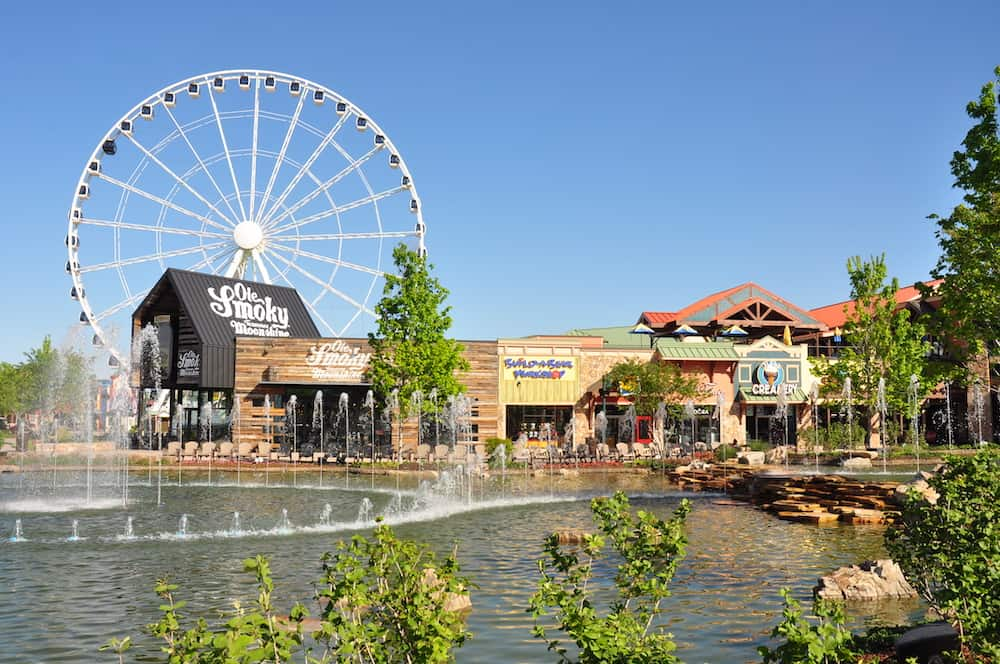 Top 4 Amusement Parks in Pigeon Forge That You Need to Visit